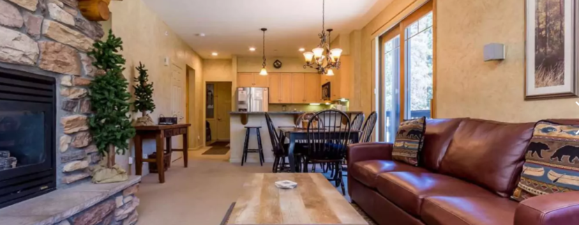 Golf & Ski Luxury Condo for 6 w/Pool & Garage